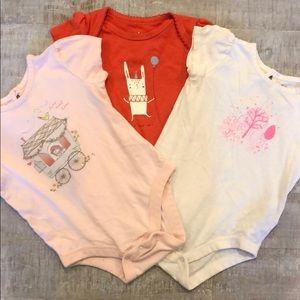 6-12 Month Lot of Baby Gap Onesies